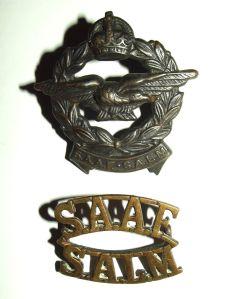 WW2 South African Air Force Bilingual Cap Badge + Shoulder Title