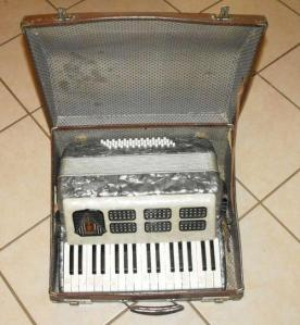 FRONTALINI 48 BASS PIANO ACCORDION 1