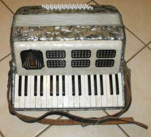 FRONTALINI 48 BASS PIANO ACCORDION 3