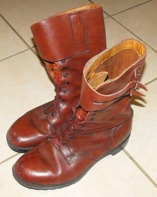 Rhodesia Army brown leather boots