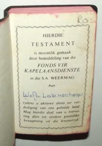 1982 South Africa SADF Chaplain Service Afrikaans Language Pocket Bible 2