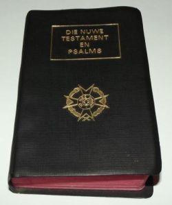 1982 South Africa SADF Chaplain Service Afrikaans Language Pocket Bible